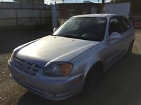 2005 hyndai accent manuelle**SPECIAL $800**