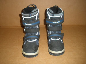 SUPERFIT Insulated Boots  Size 9 London Ontario image 2