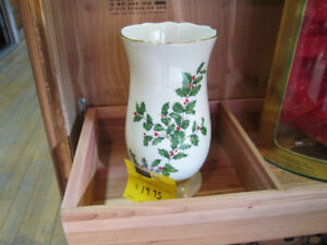 Christmas Vase For Sale at Nearly New!