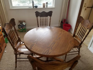 Antique oak wood dinning table