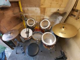 Cranes drum kit with zildijan zbt cymbals