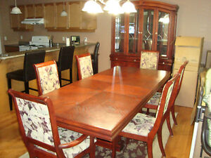 Dinning Room Table and Hutch (Located in Trenton Ontario) Kingston Kingston Area image 3