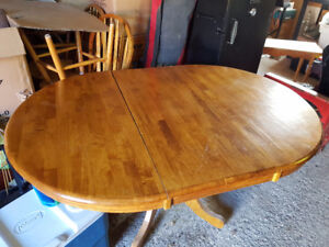 Kitchen Table with free chairs
