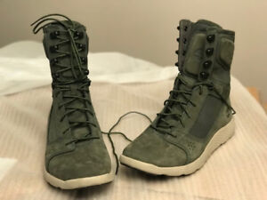 TIMBERLAND BOOTS SIZE 9 - BRAND NEW