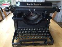 Typewriter Smith Premiere
