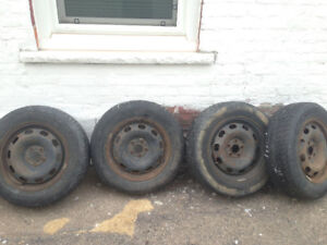 Winter tires with rims,  195/65R15.