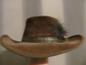 Klondike hat, Bailey, brown suede with leather trim and feathers Kitchener / Waterloo Kitchener Area image 2