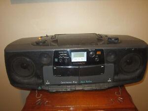 Magnavox  Radio - Radio , Cassette, CD player