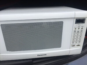Gently used microwave