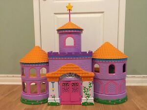 Dora Playhouse