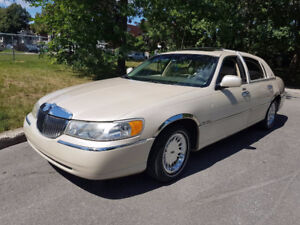 Lincoln Town Car Cartier 1999 Condition Excellente ! 3000$