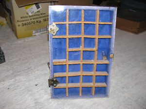 SECTIONED DISPLAY CASE WITH LOCK & KEY