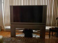 50'' HITACHI LCD TV + STAND