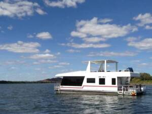 Luxury 50ft Houseboat - beautifully fitted out