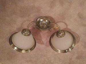 Attractive double sconce - brass