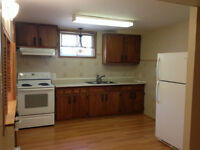 121 Sutherland Dr.- Large 2 Bedroom Apartment!