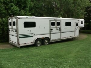 Jamco  -  Four Horse  - Face to Face  Horse Trailer