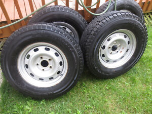 4X WINTER TIRES WITH RIMES  265/70/17  DODGE RAM  2013