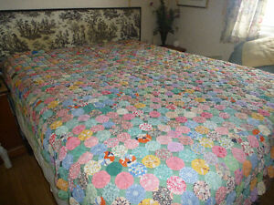 Antique hand made yo-yo quilt bedspread