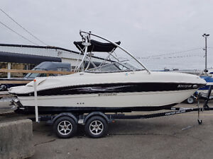 2013 Stingray 215 LR Bow-rider