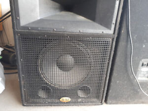 P.A system (2xspeakers, Peavey 3500w Amp, Studiomaster mixer)