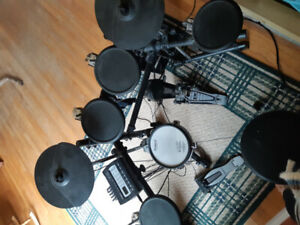 Used TD-3  electronic drum kit for sale