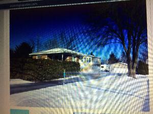 maison a vendre avec bachelor
