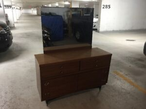 vintage 6 drawer dresser from the 60,s,50 inches long32H,18D