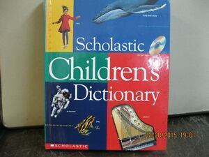 SCHOLASTIC   CHILDREN'S   DICTIONARY   NEW