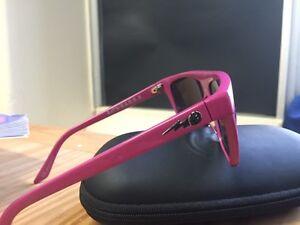 Electric sunglasses