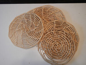 Mexican rattan place mats Kingston Kingston Area image 1
