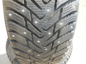 225/50R18 Studded Hakkapeliitta 8 Winter Tires