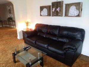 Beautiful Black Leather couch set! Amazing Deal!