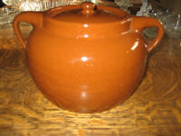 Antique Sunburst Bean Crock  3 Quart
