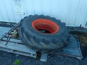 14:00 x 24 Tire and rim