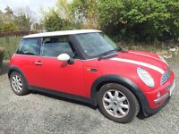 MINI ONE 2003 RED WITH WHITE ROOF MOT MARCH 2017