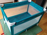 Travel cot and play pen