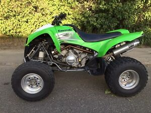 Kawi kfx700 2009, low low hours and price