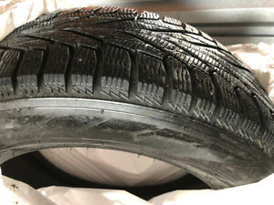 Top of the line Nokian R2 SUV winter/snow tires 235/60/18 honda