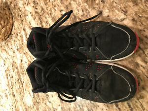 Champion basketball sneakers size 6