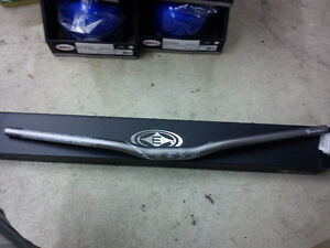 New Easton Havoc 750mm DH Handle Bar - Grey - MSRP $140
