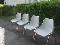 8 STACKABLE CHAIR'S ONLY $6 EACH