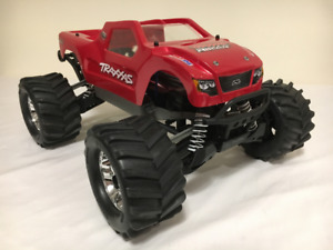 Brushless 1/10 Scale 4WD Traxxas Stampede, LiPo battery, charger