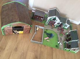 ELC Wooden Farm, Animals & Zip up storage box / mat