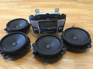 Price Reduced. Stereo from Hyundai Tucson 2013
