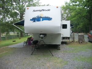 2007 BWFS 31 Sunnybrook 5th wheel camper sleeps 6