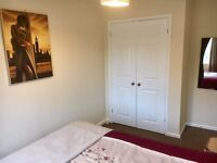 1 Double bedroom With Ensuite Fitted Wardrobe In 4 Bed Detached Hse In Quiet Area Mon-Fri /long term