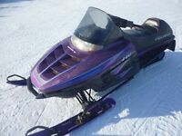 1996 POLARIS INDY 440 Liquid Cooled with papers