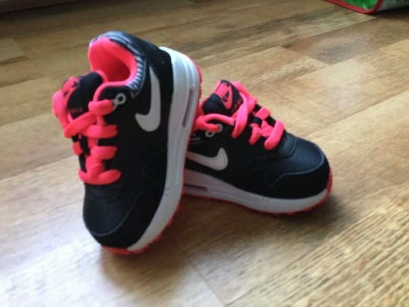 buy popular cf837 ff4d2 New Genuine Nike Air Max 1 TD Toddler Trainers - BlackWhiteHyper Punch