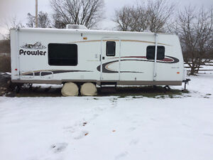 23' Prowler Limited Edition Fleetwood Trailer - Canadian Edition Peterborough Peterborough Area image 1